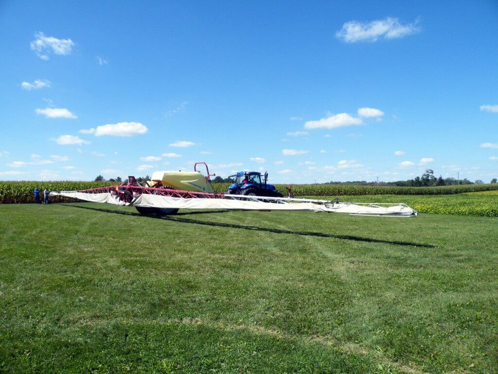 Hardi Commander (118 foot boom) with TWIN air-assist