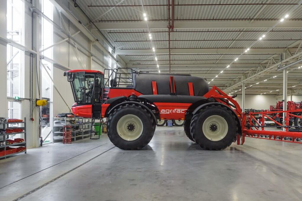 Booms up to 80m wide can be tested in the new 14,000m² factory, which Agrifac has constructed on its existing site at Steenwijk in the Netherlands.